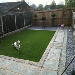 Artificial Grass Installation in Black Pole 11