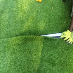 Artificial Grass Installation in Black Pole 7