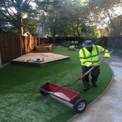 Artificial Grass Installation in Black Pole 9